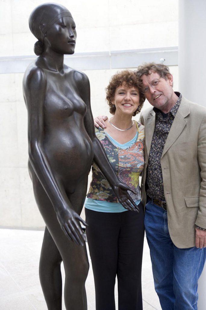 Vroomans & Mentzel bij Cornelis ZITMAN(1926),beeldhouwer .Te zien op de overzichts tentoonstelling in Museum Beelden aan Zee .foto Paul Kramer==F/C==Den Haag 16 mei 2006